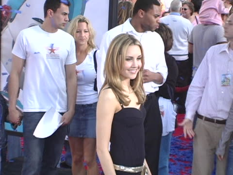 Amanda Bynes at the Robots World Premiere at Manns Village Theatre in Westwood CA