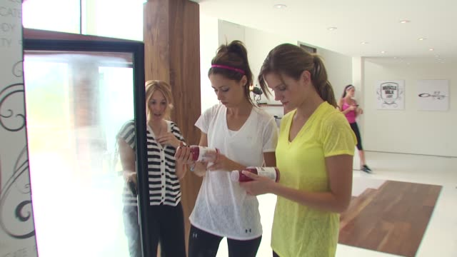 Amanda Crew at the Muscle Milk Women's Fitness Retreat at Beverly Hills CA