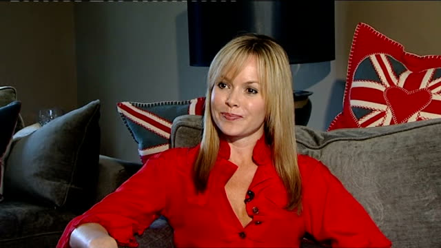 amanda holden interview on susan boyle phenomenon; england: london: int amanda holden interview sot - one of those paul potts moments - absolute... - no doubt band stock videos & royalty-free footage