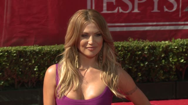 vídeos de stock, filmes e b-roll de amanda lee modano at 2012 espy awards on 7/11/2012 in los angeles ca - espy awards