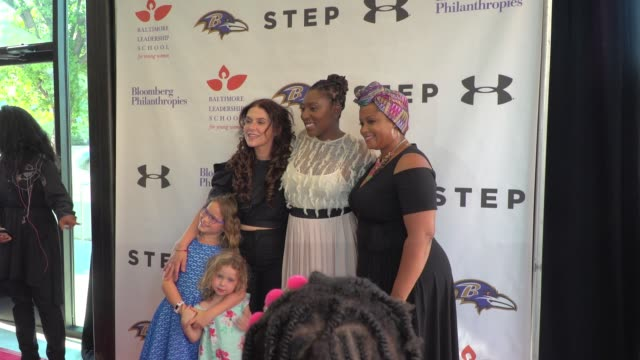 "amanda lipitz gari mcintyre at the baltimore leadership school for young women hosts hometown premiere of sundance sensation ""step"" in baltimore md - hometown bildbanksvideor och videomaterial från bakom kulisserna"