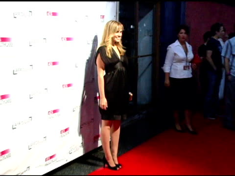 vidéos et rushes de amanda noret at the the aids healthcare foundation presentation of 'hot in hollywood' at the henry fonda/music box theatre in hollywood, california... - henry fonda theatre