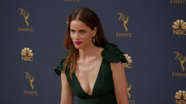 vídeos de stock, filmes e b-roll de amanda peet at the 70th emmy awards arrivals at microsoft theater on september 17 2018 in los angeles california - 70th annual primetime emmy awards