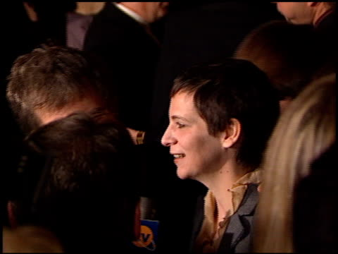 stockvideo's en b-roll-footage met amanda plummer at the director's guild dga awards at the century plaza hotel in century city, california on march 10, 2001. - century plaza
