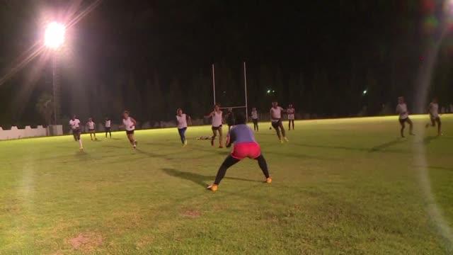 Amani Houyem y Omayma son algunas de las jugadoras de la seleccion de rugby VII de Tunez que podrian lograr una inesperada clasificacion para los...