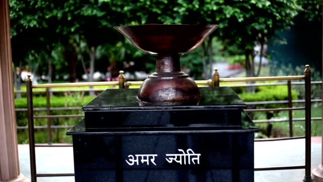 amar jyoti (timeless light) in jallianwala bagh, amritsar punjab - genocide stock videos & royalty-free footage