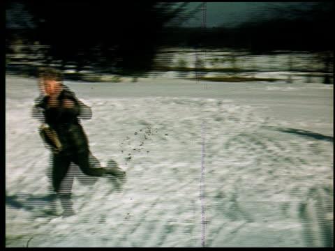 [amateur film: 'home movies galore'] - 11 of 12 - andere clips dieser aufnahmen anzeigen 2033 stock-videos und b-roll-filmmaterial