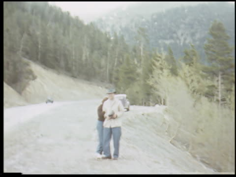 [amateur film: honeymoon trip, june 1941] - 4 of 15 - altri spezzoni di questa ripresa 2034 video stock e b–roll