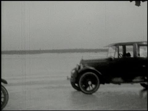 vidéos et rushes de [amateur film: ice harvest, camp minsi, 1921] - 12 of 14 - 1921