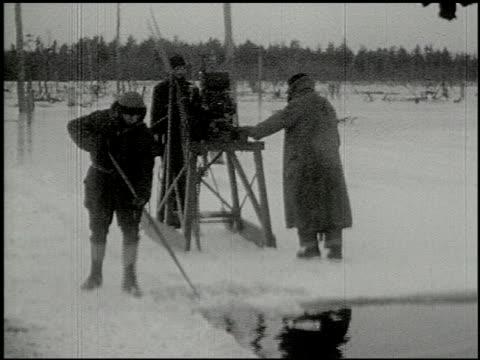 [amateur film: ice harvest, camp minsi, 1921] - 13 of 14 - 1921 stock-videos und b-roll-filmmaterial