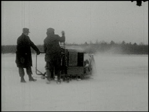 [amateur film: ice harvest, camp minsi, 1921] - 14 of 14 - 1921 stock-videos und b-roll-filmmaterial