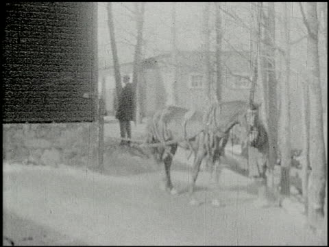 vidéos et rushes de [amateur film: ice harvest, pocono manor, 1919] - 10 of 10 - 1910 1919