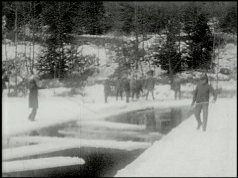 vidéos et rushes de [amateur film: ice harvest, pocono manor, 1919] - 3 of 10 - 1910 1919