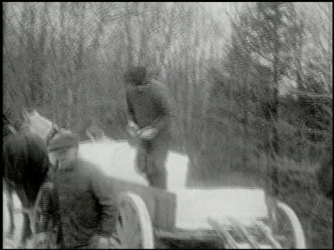 vidéos et rushes de [amateur film: ice harvest, pocono manor, 1919] - 4 of 10 - 1910 1919