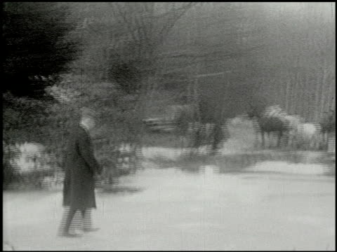 vidéos et rushes de [amateur film: ice harvest, pocono manor, 1919] - 6 of 10 - 1910 1919