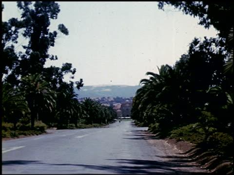 [amateur film: ransohoff collection: 'life on the farm' / del monte 1940 / yosemite] - 1 of 17 - この撮影のクリップをもっと見る 2047点の映像素材/bロール