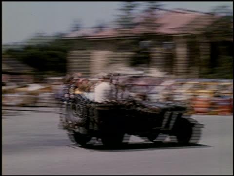 [amateur film: ransohoff collection: 'life on the farm' / del monte 1940 / yosemite] - 10 of 17 - この撮影のクリップをもっと見る 2047点の映像素材/bロール