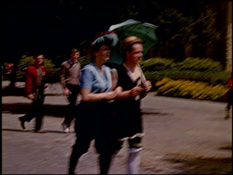[amateur film: ransohoff collection: 'life on the farm' / del monte 1940 / yosemite] - 7 of 17 - この撮影のクリップをもっと見る 2047点の映像素材/bロール