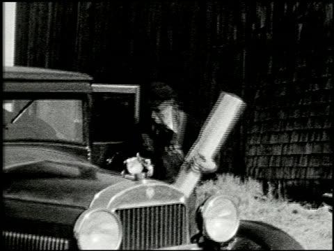 [amateur film: seck collection: reel 5] - 2 of 12 - この撮影のクリップをもっと見る 2051点の映像素材/bロール