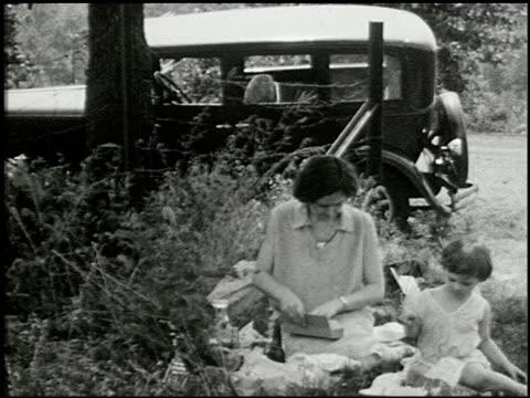 [amateur film: seck collection: reel 6] - 1 of 16 - andere clips dieser aufnahmen anzeigen 2052 stock-videos und b-roll-filmmaterial