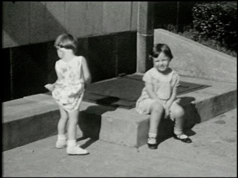 [amateur film: seck collection: reel 6] - 5 of 16 - andere clips dieser aufnahmen anzeigen 2052 stock-videos und b-roll-filmmaterial
