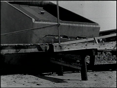 vídeos de stock, filmes e b-roll de [amateur film: southern california] - 10 of 17 - veja outros clipes desta filmagem 2054