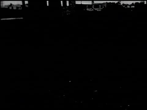 vídeos de stock, filmes e b-roll de [amateur film: southern california] - 17 of 17 - veja outros clipes desta filmagem 2054