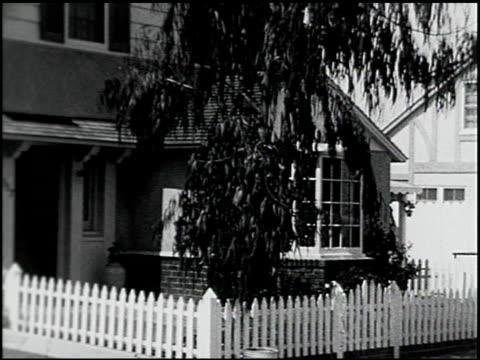 vídeos de stock, filmes e b-roll de [amateur film: southern california] - 3 of 17 - veja outros clipes desta filmagem 2054