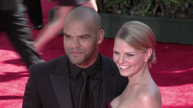 amaury nolasco jennifer morrison at the 61st annual primetime emmy awards arrivals part 2 at los angeles ca - annual primetime emmy awards stock-videos und b-roll-filmmaterial