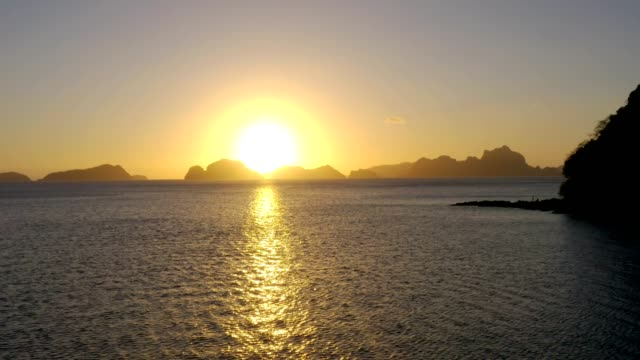 amazing sunset in el nido, palawan, philippines - philippines stock videos & royalty-free footage