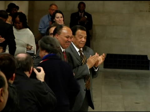 ambassador andrew young dr martin luther king iii william wachtel and marian wright edelmn at the 'realizing the dream' martin luther king jr tribute... - botschafter stock-videos und b-roll-filmmaterial