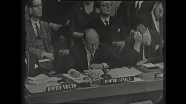 vidéos et rushes de us ambassador to the united nations stevenson calls the charges false that the us was involved in the failed military invasion of cuba saying that... - adlai stevenson