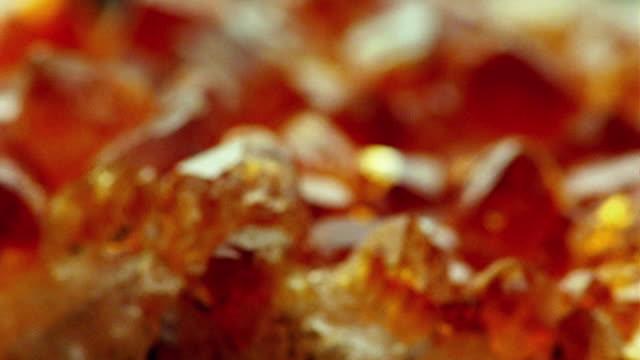 ECU, FOCUSING, Amber crystal