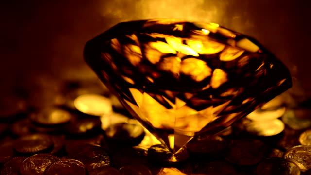 vidéos et rushes de amber diamond de pièces d'or (bouclables) - jaune