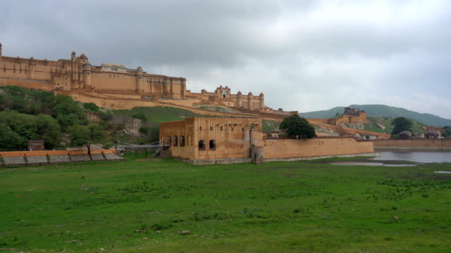 amber fort near jaipur in rajasthan, india - fortress stock videos & royalty-free footage