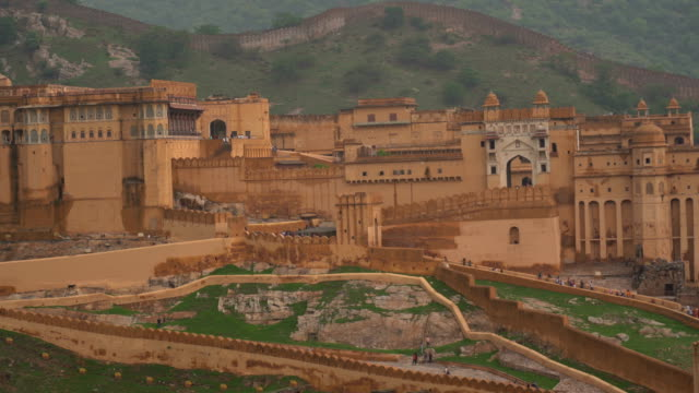 amber fort near jaipur in rajasthan, india - amber stock videos & royalty-free footage
