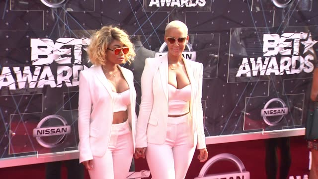 amber rose and blac chyna at the 2015 bet awards on june 28, 2015 in los angeles, california. - bet awards bildbanksvideor och videomaterial från bakom kulisserna
