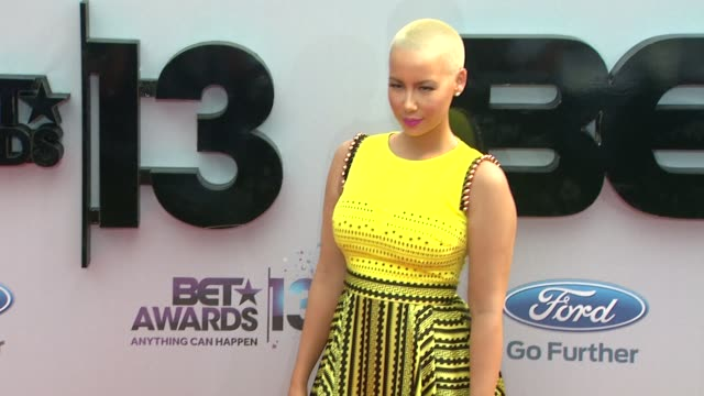 amber rose at bet 2013 awards - arrivals on 6/30/13 in los angeles, ca . - bet awards bildbanksvideor och videomaterial från bakom kulisserna
