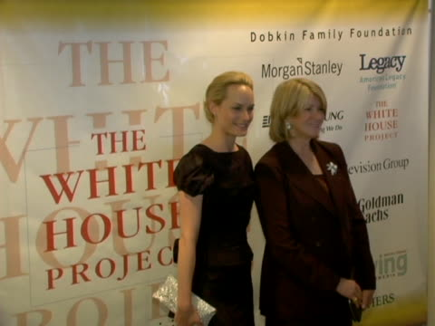 vídeos de stock e filmes b-roll de amber valetta and martha stewart at the the white house projects 2006 epic awards honoring outstanding efforts to promote images of powerful women in... - atlântico central eua