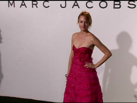 amber valetta at the opening of marc jacobs' three los angeles stores at 8400 melrose place in los angeles california on march 17 2005 - バレッタ点の映像素材/bロール