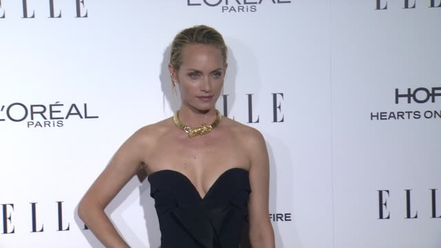 amber valletta at 23rd annual elle women in hollywood celebration at four seasons hotel los angeles at beverly hills on october 24, 2016 in los... - アンバー ヴァレッタ点の映像素材/bロール