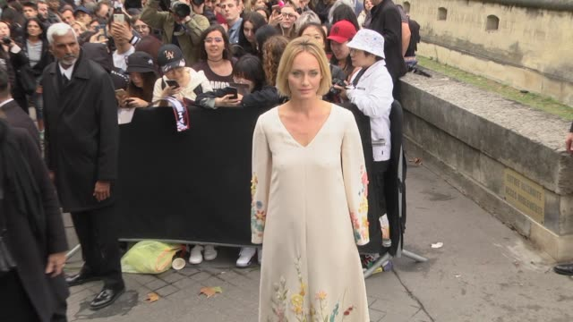 amber valletta attends the valentino womenswear spring/summer 2020 show as part of paris fashion week on september 29 2019 in paris france - celebrity sightings stock videos & royalty-free footage