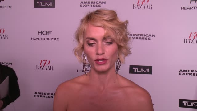 amber valletta on what it means to be honored as one of the most fashionable women in the world, what being fashionable/stylish means to her and who... - アンバー ヴァレッタ点の映像素材/bロール