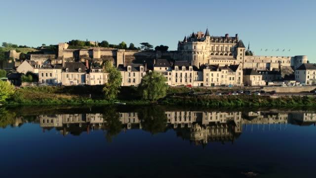 vidéos et rushes de amboise city, loire valley, france - château