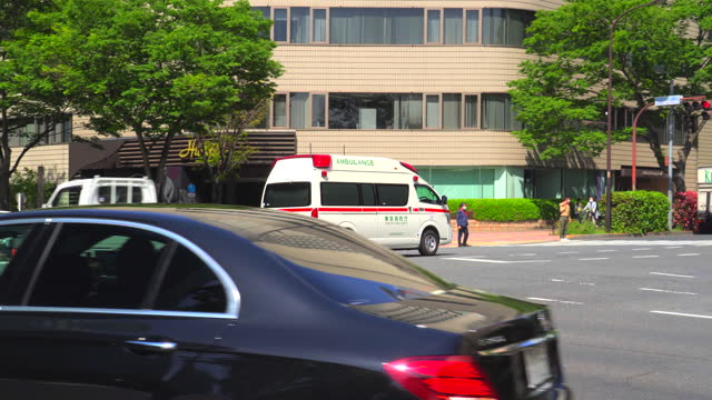 ambulance on an emergency run - plusphoto stock videos & royalty-free footage