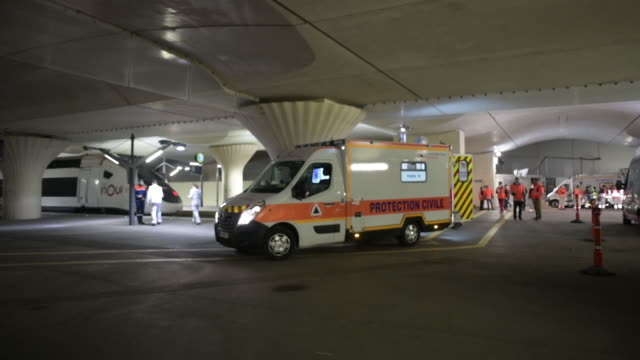 ambulances from the protection civile are transfering heavily medicalised patients from paris hospitals to countryside hospitals to get more rooms... - point of view stock videos & royalty-free footage