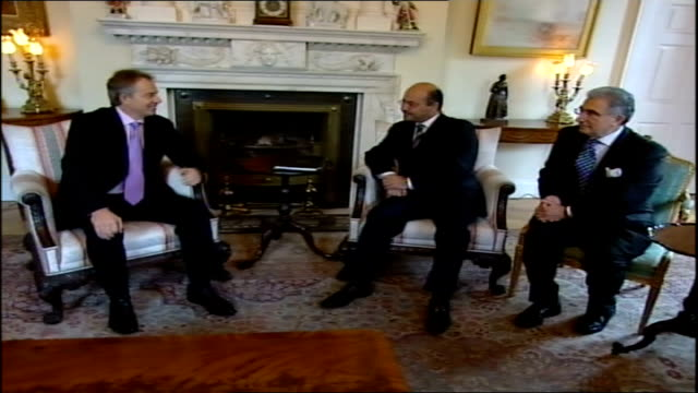 vidéos et rushes de america and britain considering early exit strategy: iraqi deputy pm appeals for them to stay; **beware flash photography** england: london: 10... - prime minister