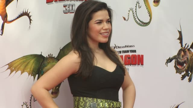 america ferrera at the 'how to train your dragon' premiere at universal city ca - how to train your dragon stock videos & royalty-free footage