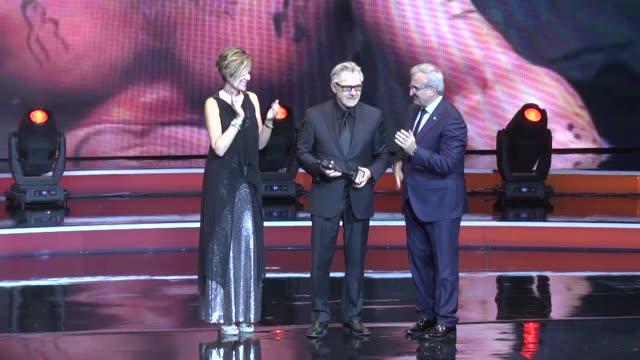 american actor harvey keitel receives lifetime achievement award from governor of antalya munir karaloglu during the closure of the 53rd... - ハーヴェイ カイテル点の映像素材/bロール