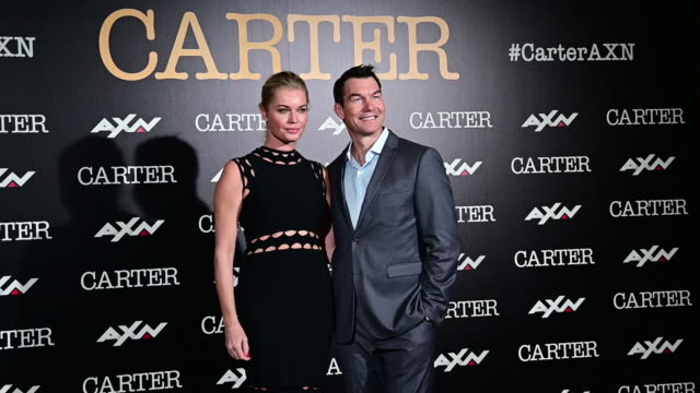 stockvideo's en b-roll-footage met american actor jerry o'connell and actress rebecca romijn attend 'carter' photocall on november 07 2019 in madrid spain - rebecca romijn